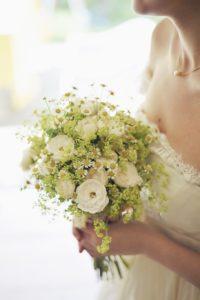 ブーケ 白い花