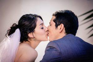 Green Ring カップル 結婚 キス