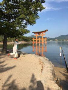 2019年㋄22日の朝の宮島厳島神社の大鳥居