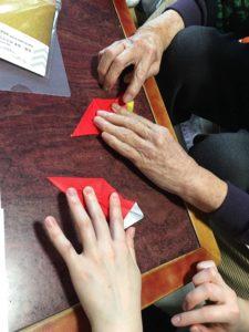 Green Ring 結婚相談所 婚活 ブログ お正月 祖母と孫 折鶴